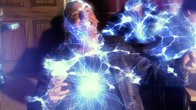 doctor who aliens of london review ninth doctor electrocuted unit slitheen cliffhanger christopher eccleston russell t davies keith boak
