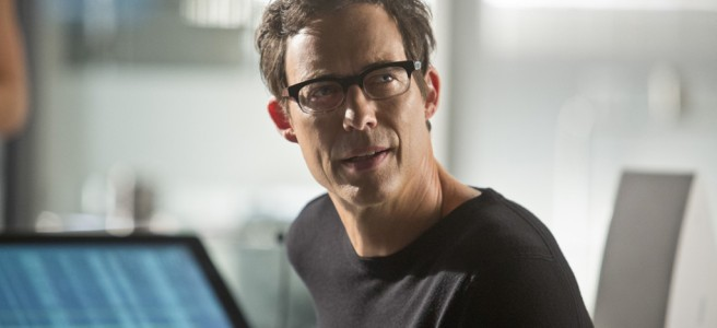 the flash tom cavanagh harrison wells grant gustin barry allen reverse flash greg berlanti andrew kreisberg series 1 fast enough fastest man alive central city star labs wheelchair