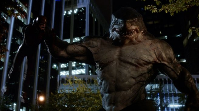 the flash review KING SHARK patty spivot the flash vs king shark grant gustin earth 2 cgi