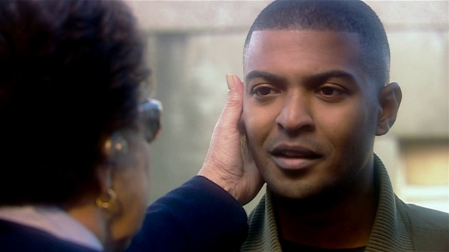 doctor who rise of the cybermen review tom macrae noel clarke mickey smith ricky smith grandmother parallel world earpods preachers rtd