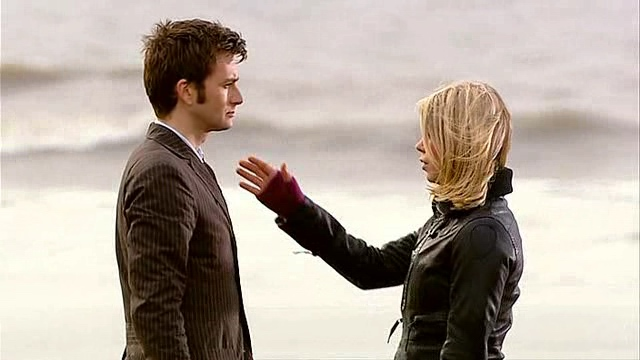 doctor who doomsday review russell t davies tenth doctor rose tyler I love you bad wolf bay david tennant billie piper beach norway daleks