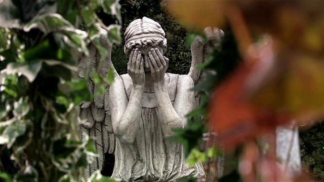 doctor who review blink weeping angels statue wester drumlins hettie macdonald carey mulligan sally sparrow steven moffat