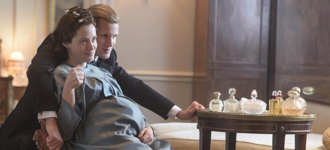 the crown season 2 claire foy matt smith queen elizabeth pregnant
