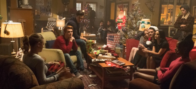 riverdale season 2 silent night deadly night christmas black hood betty cooper archie andrews