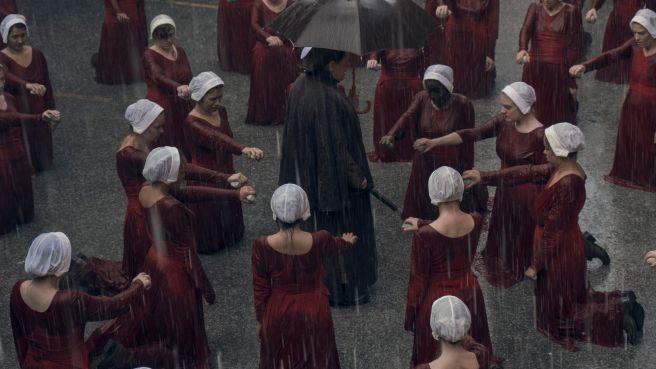 the handmaid's tale season 2 trailer elisabeth moss channel 4 hulu